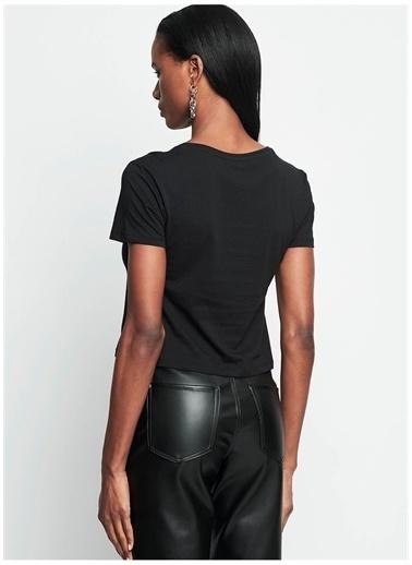 Iamnotbasic IAMNOTBASIC Kadın Siyah Ada Crop Tişört Siyah